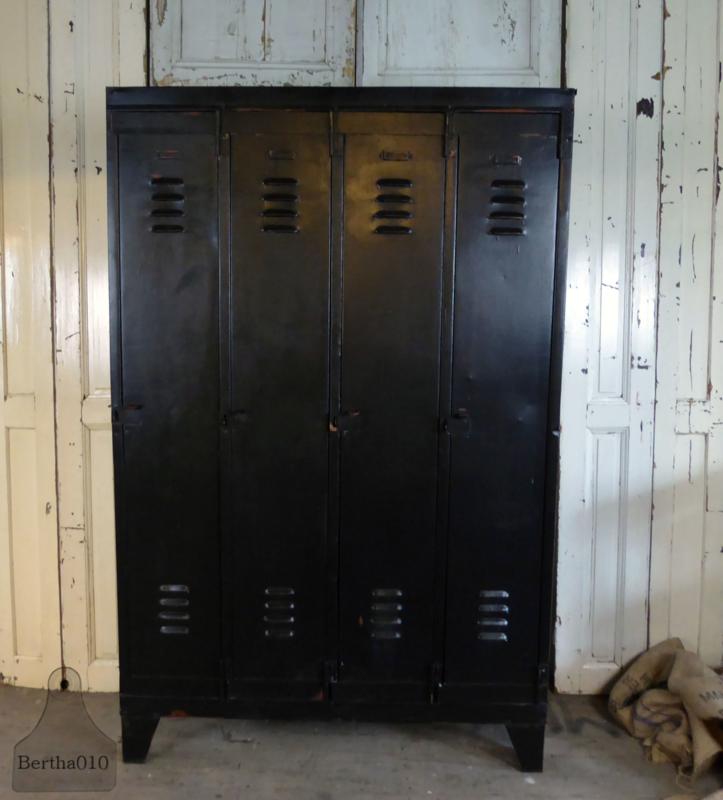 Oude locker (133517)...verkocht