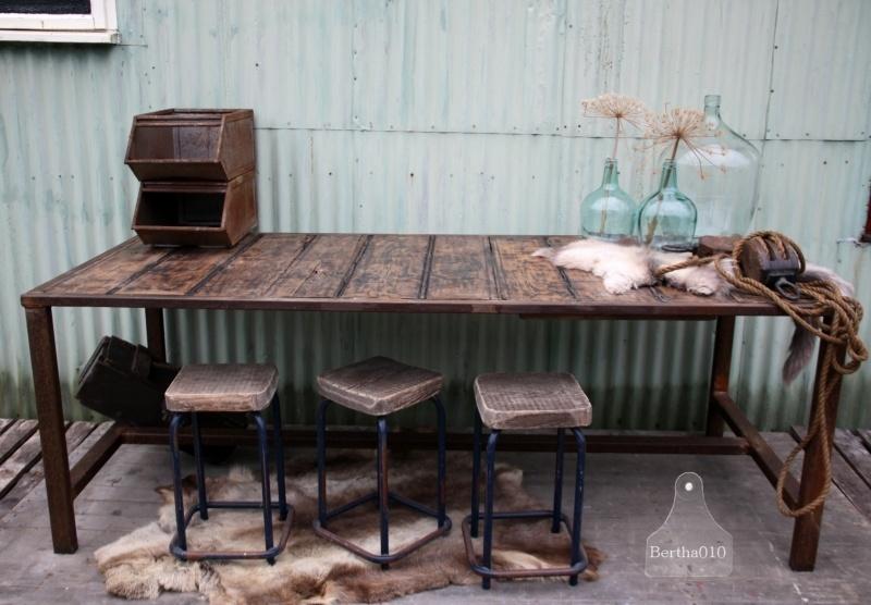 Op maat gemaakte industriele tafel (130762)