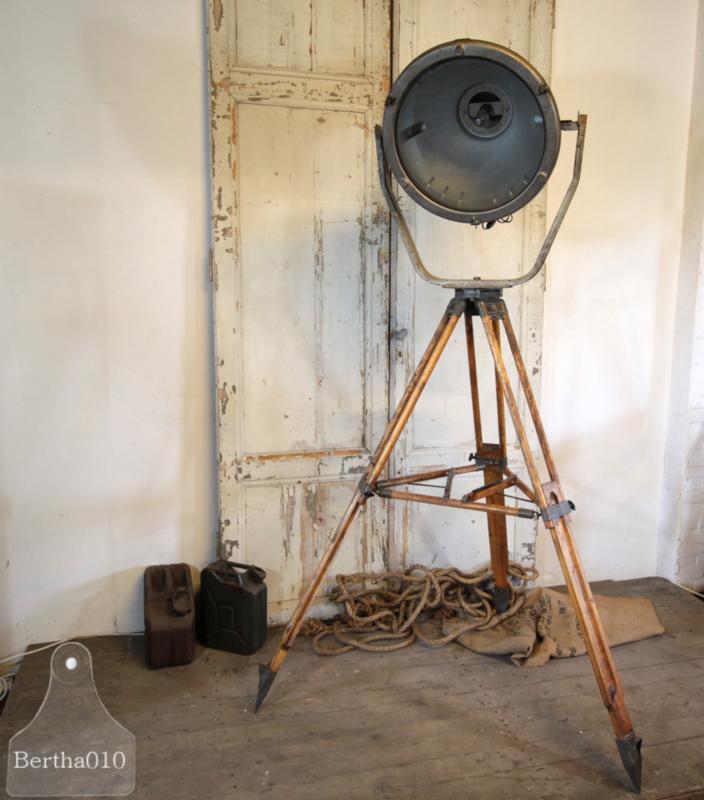 Originele fabriekslamp op statief (133299)..verkocht