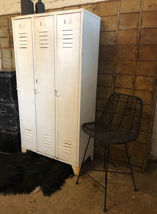 Oude geleefde locker, wit (137425)