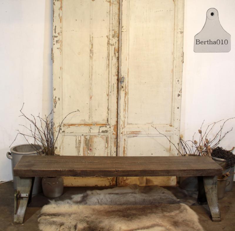 Oude fabrieksbank (133274)...........verkocht