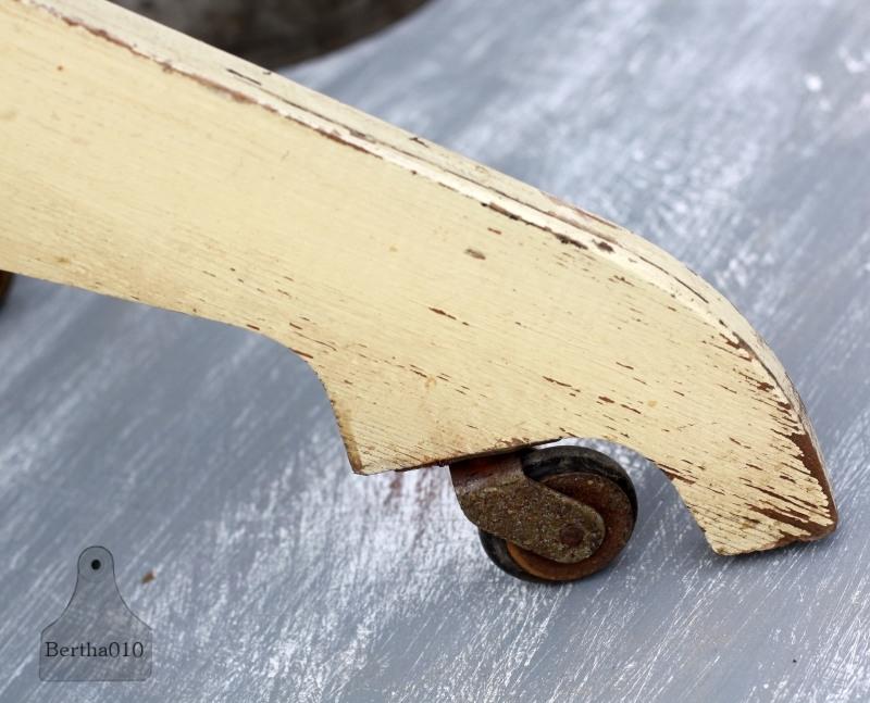 Oude Bureau Stoel.Oude Bureaustoel Op Wieltjes 131433 Verkocht Verkocht