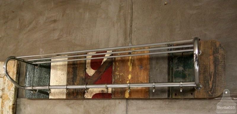 Sloophouten kapstok (130683)..verkocht