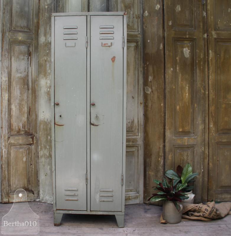 Oude locker 2 deurs (133629)...verkocht