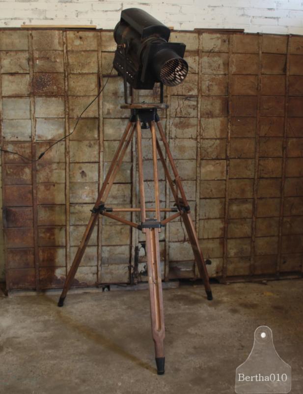 Oude theaterlamp (137416)