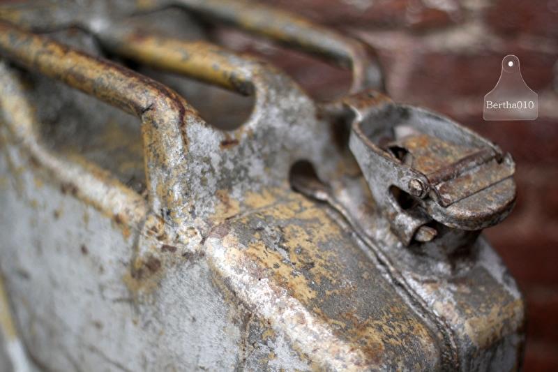 Oude jerrycan uit jaren 40 (131916)
