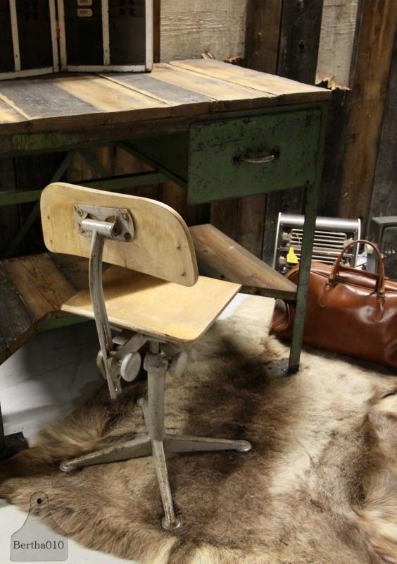 Industriele bureaustoel (130676)..verkocht