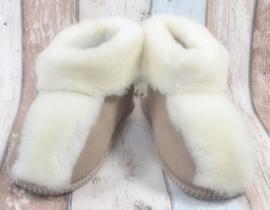 Schapenwollen pantoffels maat 37