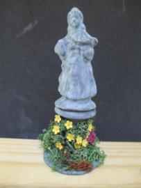 Tuinbeeld meisje, 9,5 cm hoog