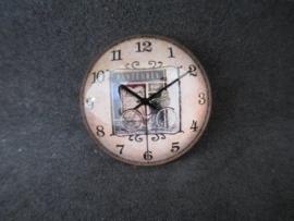Klok Pasteris, doorsnede 2,5 cm.