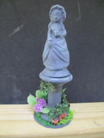 Tuinbeeld meisje,  10 cm hoog