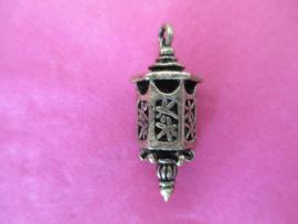 Antieke lantaarn brons 35 x 12 mm.