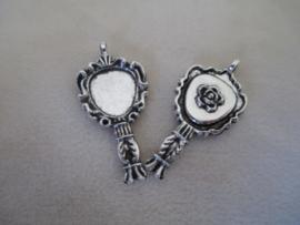 Handspiegel antiek zilverkleurig roos