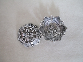 B21693 Antique Zilver Flower 25 x 10 mm.