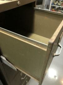 Industriële ijzerenkast- Vintage ladekast-Fabriekskast AHREND