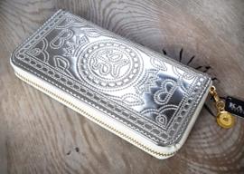 Boho stijl portemonnee in glimmend zilver