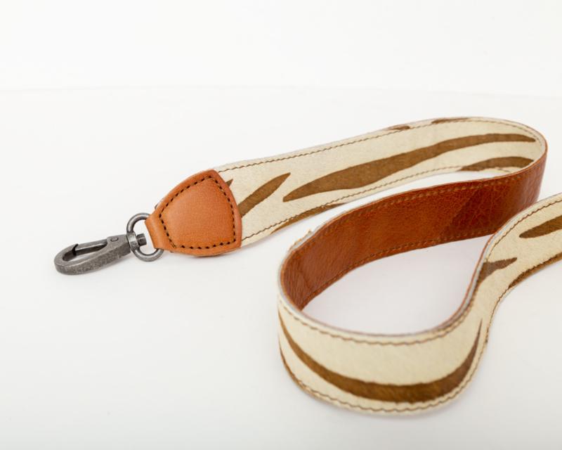 Korte schouderband Bag2Bag zebra cognac