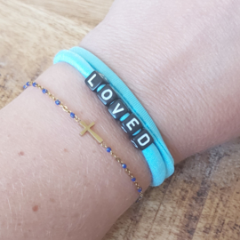 Elastiek turquoise of mint met tekst blessed/loved A019