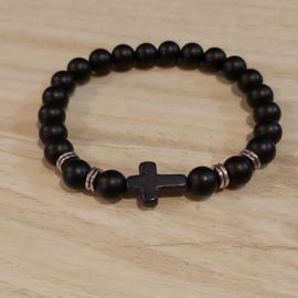 Zwarte kralen met kruis H012