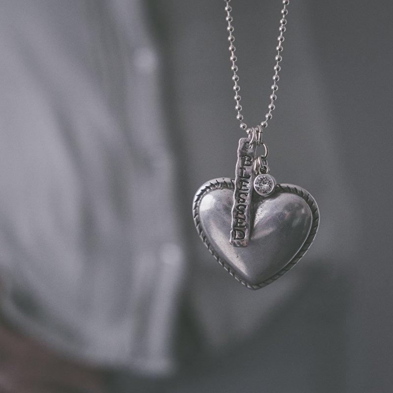 Ketting met groot hart en bedel Blessed K001