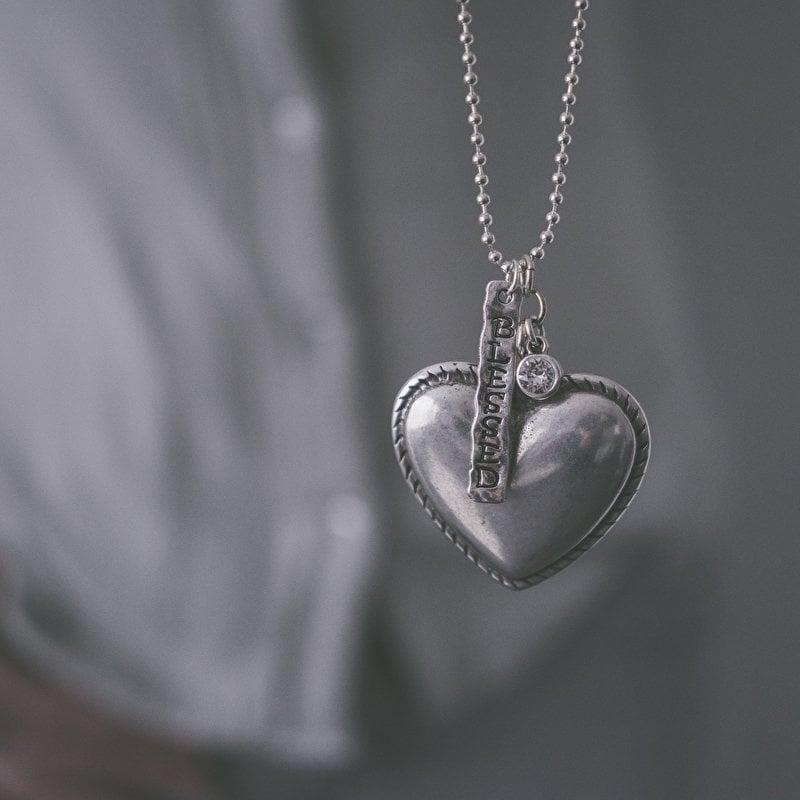 Ketting met groot hart en bedel faith K002