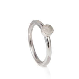 1142-Ring met 5mm glazen steen met as