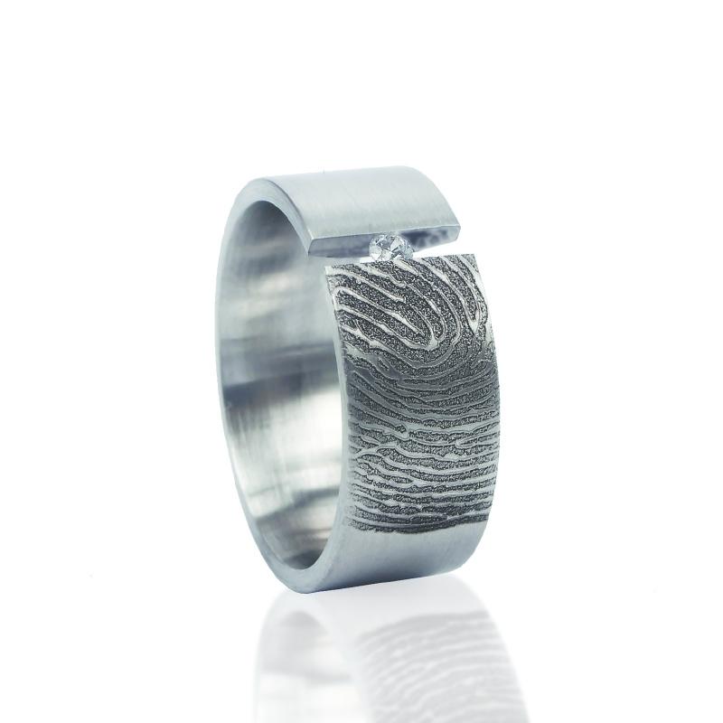 0118-00 Vingerafdruk ring met zirkonia 2.3mm