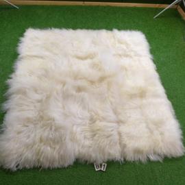 Wit IJslands schapenkleed (Hexa) 180 x 170 rechte hoeken