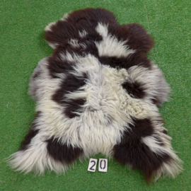 Dark brown / white sheepskin (115 x 75)