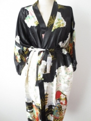 Japanse Kimono + Ceintuur  - Zwart - Lang  - One Size. Draagt heerlijk. Wasbaar op 40 graden. En blijft mooi.