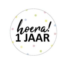 Sticker 'hoera 1 jaar' (10 stuks)