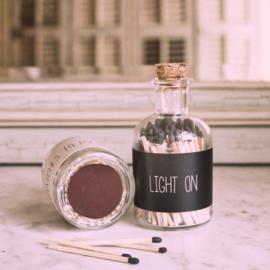 LUCIFERS - ZWART - LIGHT ON