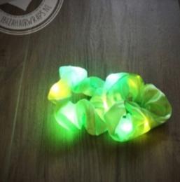 Groen scrunchie met LED lampjes