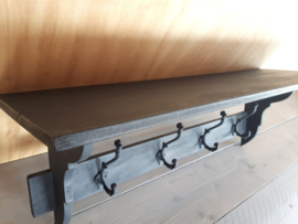 Landelijke houten zwarte kapstok