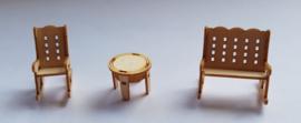 Schommelstoelen en tafel