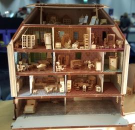 Poppenhuis, H2015b (incl. verlichting, behang en meubels)