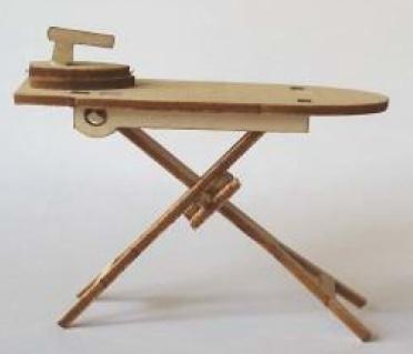 Strijkplank met strijkbout