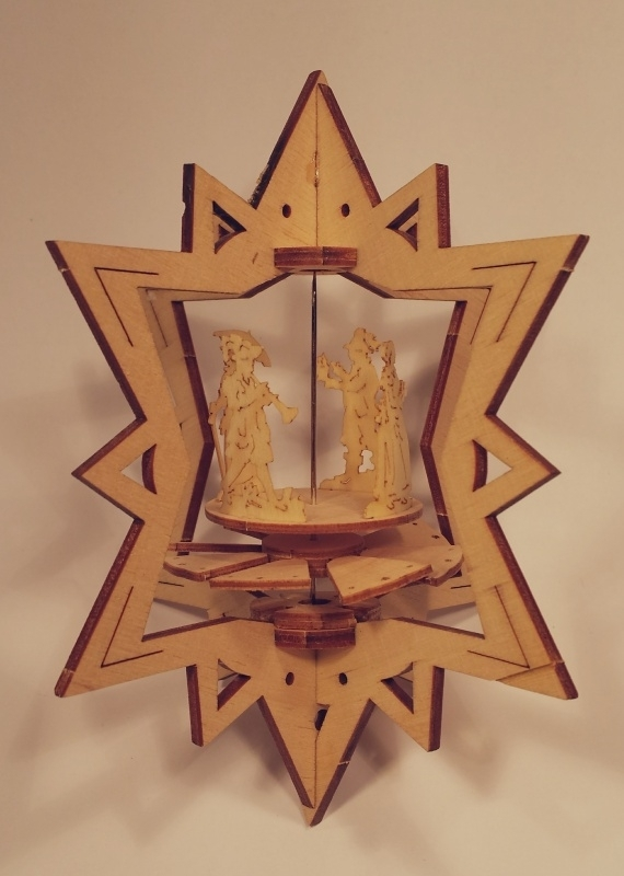 Hang pyramide ster, W1024