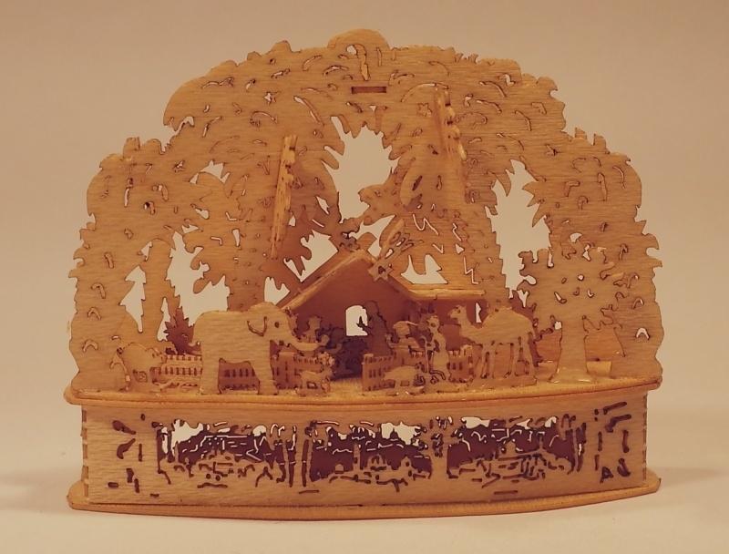 3D Lichtboog met kerstal en heilige familie, LB33