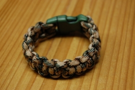 Bracelet FLAUNTAROUND clip paracord green