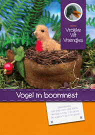 Vogel in boomnest