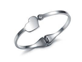 Bangle bracelet heart