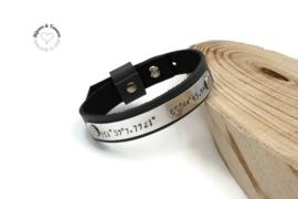 Lederen armband met  coördinaten