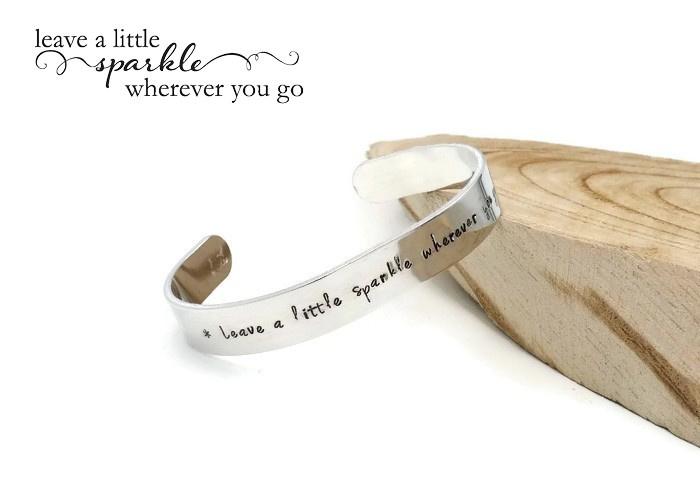 "Slagletter armband 10mm ""Leave a little sparkle wherever you go"""