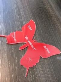 Vlinder transparant plexiglas, en achterplaatje in kleur naar keuze