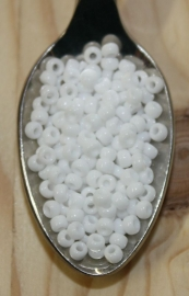 Seed bead - 8/0 - opaque white