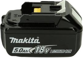 Makita Duc353z  met gratis Accu 5Ah, 2 kettingen  + 2liter olie