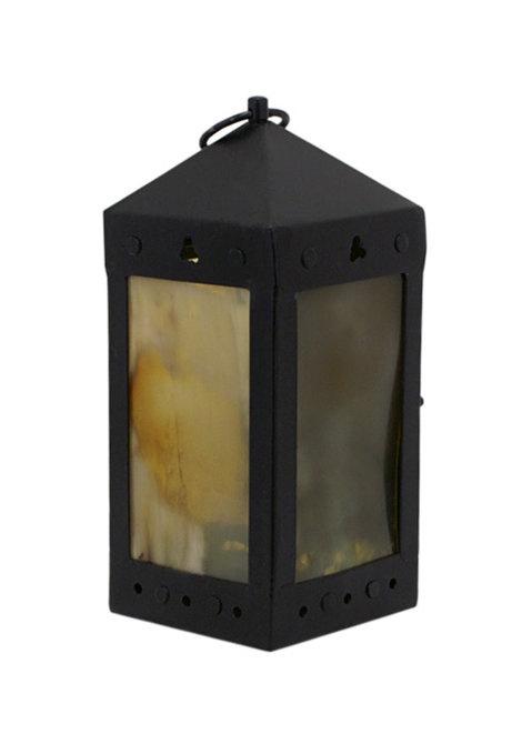 Kaarsen lantaarn met venster van hoorn