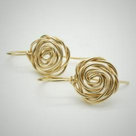 Gouden roos oorbellen