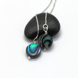 Doortrek oorbellen met abalone schelp